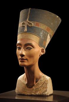 Nefertiti: Osamělá královna (3)